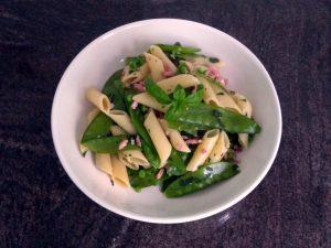 Pasta met groene groenten kruiden